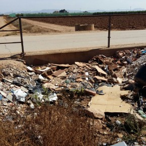 C's llevará al Pleno el abandono de las canalizaciones del Trasvase y de los arcenes en una carretera de Pozo Estrecho