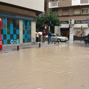 C's solicita una reunión urgente con Emuasa tras las roturas de tuberías que han inundado calles, bajos y comercios en Murcia en la última semana