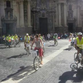 Cs se pregunta cuántas sanciones tendrán que pagar los ciclistas que se sumen a la nueva  ocurrencia del PP '30 días en bici'