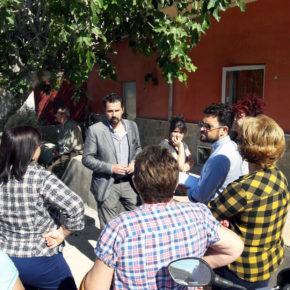 Cs acusa a Adif de forzar a los vecinos de la Orilla de la Vía a firmar un cheque en blanco para levantar el muro del AVE junto a sus viviendas