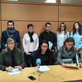 Los grupos políticos de la oposición exigen con moción de urgencia un criterio único del Ayuntamiento ante las reiteradas cesiones ilegales de trabajadores