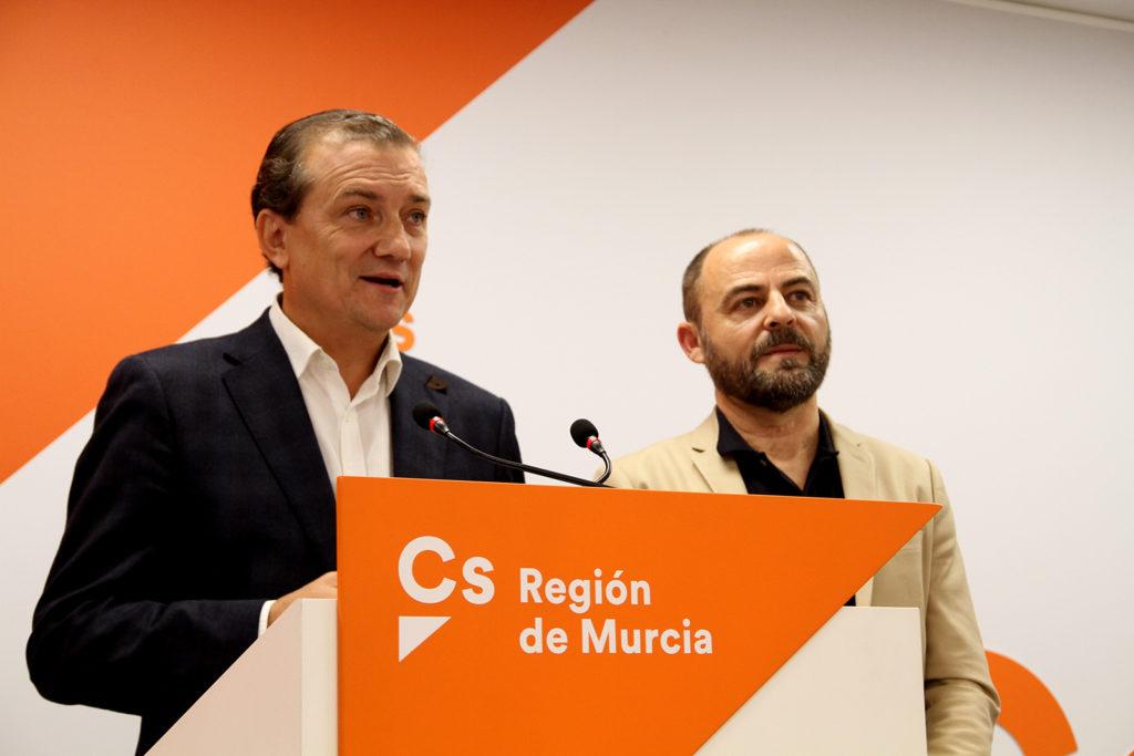Foto rueda de prensa diputados Miguel Garaulet y José Luis Martinez Ciudadanos