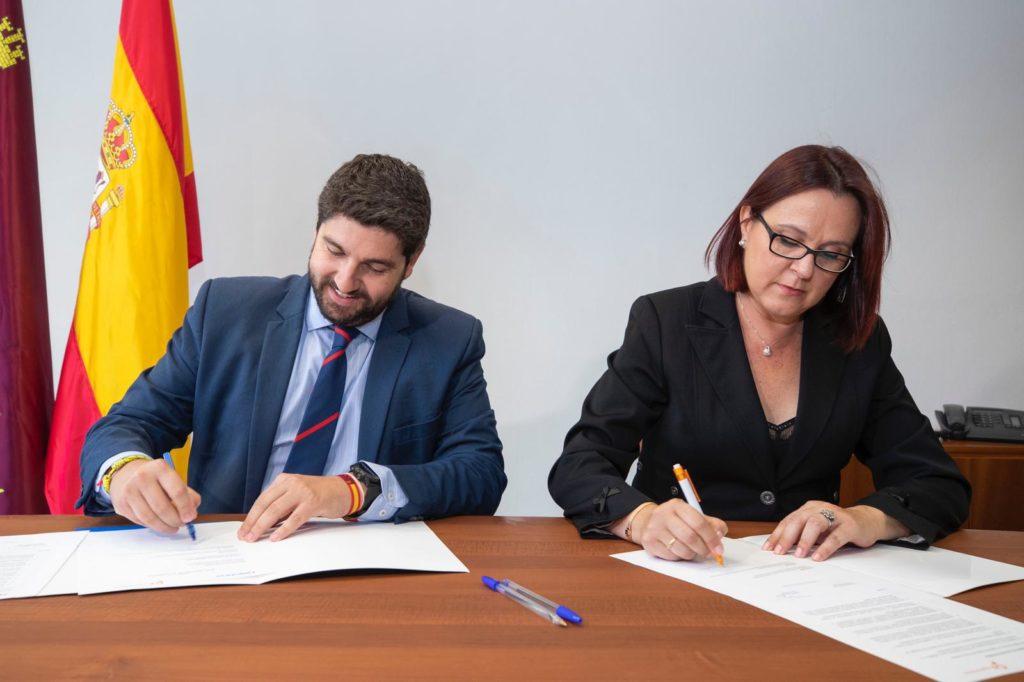 Firma Acuerdo de Gobierno entre Cs y PP en la Región de Murcia
