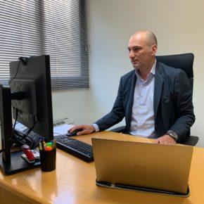 Los 'clubes de empleo' municipales ofrecen a los desempleados ordenadores gratuitos con conexión a Internet y webcam