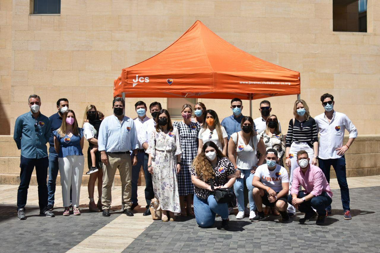 26-05-2021 carpa de Jóvenes Ciudadanos en Murcia
